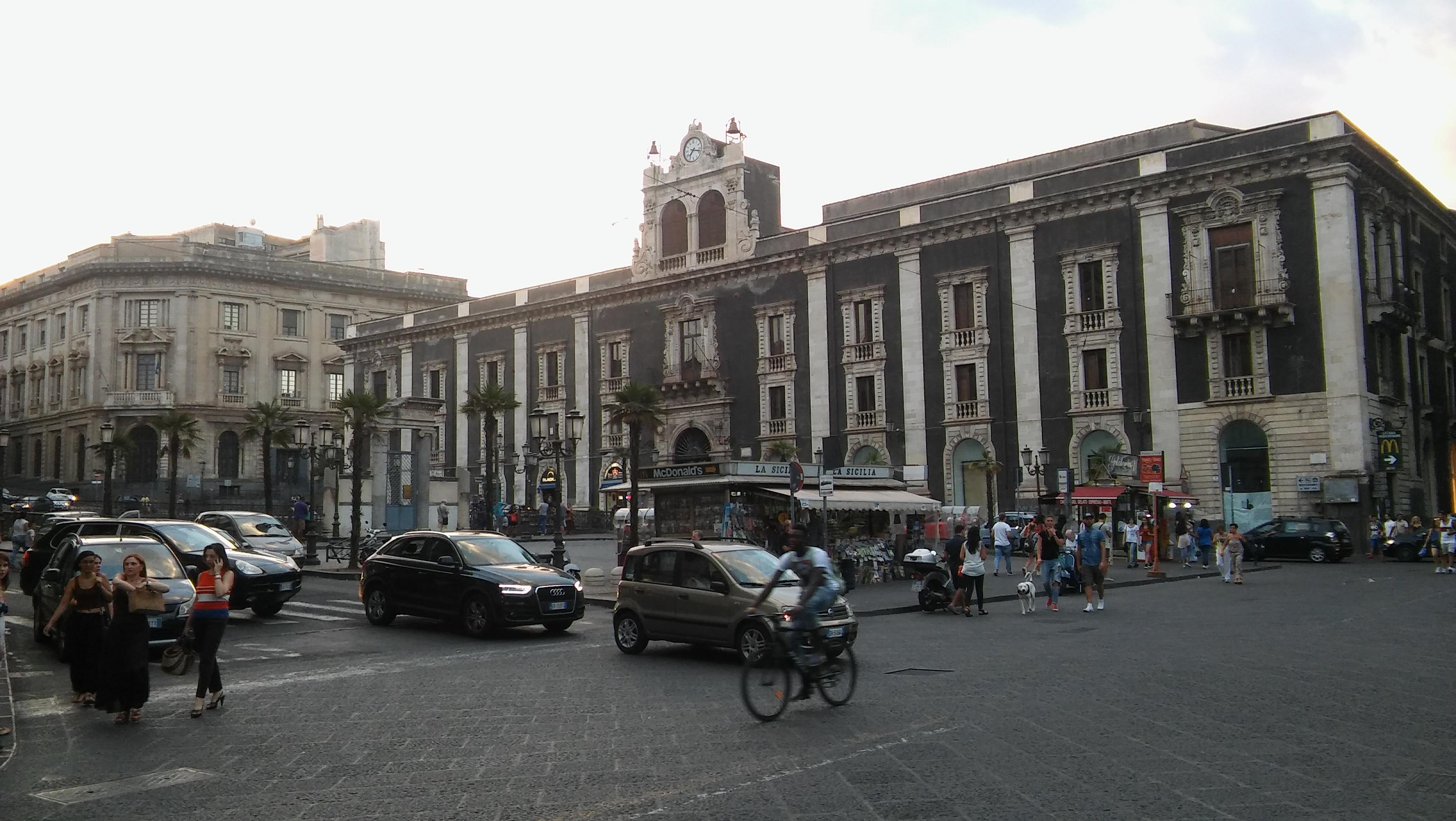Catania highlights, het kasteel en de ondergrondse rivier.
